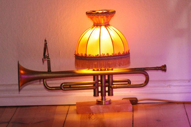 Handgefertigte Trompetenlampe Vintage Retro Einzelstück